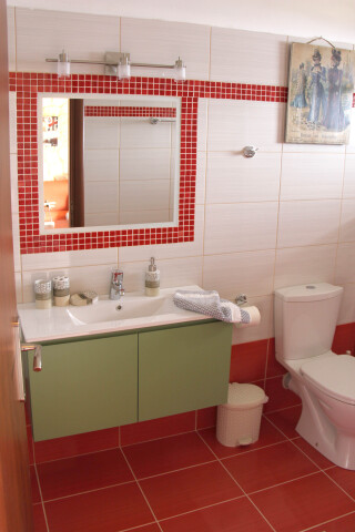 garden view suite 4 pax sarantos bathroom area