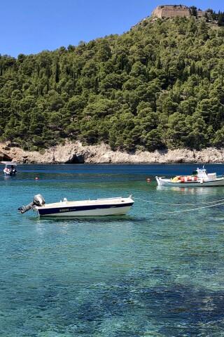 kefalonia sarantos pool suites boats