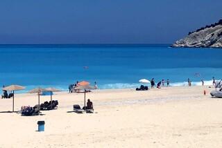 kefalonia sarantos pool suites organizes beach